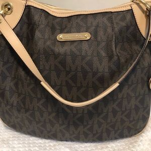 Michael Kors Signature Shoulder Bag